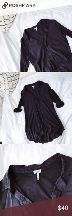 Splendid black top Selling the Splendid black top. In good condition! Splendid Tops Tees - Long Sleeve