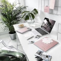 12 Most Popular Home Office Design and Decor Ideas - New Decoration Modern Office Decor, Home Office Design, Home Office Decor, House Design, Office Designs, Office Decorations, Desk Office, Design Room, Office Gifts