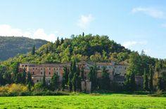 """Alatri (FR) Castello di Tecchiena Un bellissimo """"castello di pianura"""" che ricorda le immagini dei castelli provenzali"""