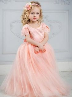 Coral Pink Girls Pageant Gowns Lace Appliques Ball Gown Flower Girl Dress  Girls Christmas Dress Girls Birthday Party Gowns 5a38a370c7c6