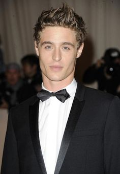 For some reason, when I think of Will Herondale, I see Max Irons. If they ever do a film adaptation, I fully support this casting! Max Irons, Hello Gorgeous, Gorgeous Men, Hottest Male Celebrities, Celebs, Hot British Actors, American Actors, Iron Heights, Xavier Samuel