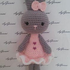 Eprecske - horgolt húsvéti nyuszi lány (MySweetGurumi) - Meska.hu Amigurumi Minta, Hello Kitty, Teddy Bear, Knitting, Toys, Crochet, Character, Art, Pot Holders