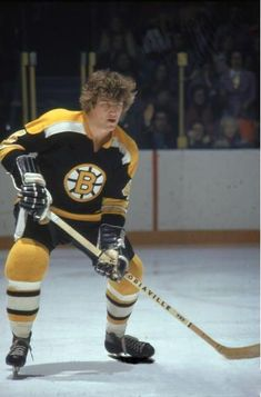 Number Four - Bobby Orr, Boston Bruins Pro Hockey, Field Hockey, Baseball Jerseys, Basketball Teams, Hockey Players, Hockey Stuff, Old Sports Cars, Bobby Orr, Boston Bruins Hockey