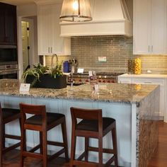 kitchen cabinets tops the white cabinets island and granite 3269