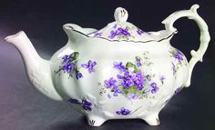 Hammersley VICTORIAN VIOLETS Tea Pot 4 1/2""