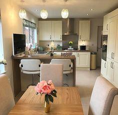 New Kitchen Paint Backsplash House Ideas Kitchen Lighting Layout, Kitchen Layout, Kitchen Colors, Table Lighting, Open Plan Kitchen, New Kitchen, Kitchen Decor, Kitchen White, Kitchen Ideas