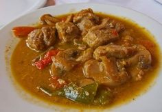 This recipe calls for chunks of pork cooked in wine with peppers - a perfect companion to other mezethes and wine. Recipes With Pork Chunks, Food Network Recipes, Food Processor Recipes, Appetizer Recipes, Appetizers, Greek Cooking, Eastern Cuisine, Greek Recipes, Tasty Dishes