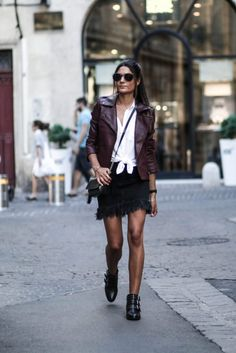 Federica L. is rocking an alternative rocker girl style with this statement piece - a tinted leather jacket! Wear a number such as this with neutral colours in order to keep the attention where it belongs. Outfit: Jennyfer.com.