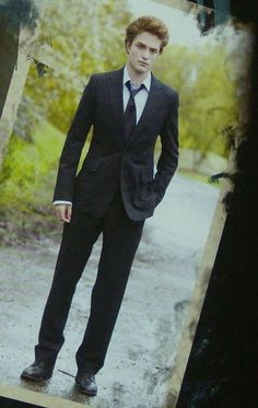 oh Edward Cullen *sigh* Vampire Twilight, Twilight 2008, Twilight Saga Series, Twilight Edward, Twilight Cast, Edward Bella, Twilight Movie, Twilight Jokes, Bella Cullen