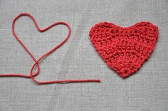 Valentine's Day :: Crocheted hearts tutorial - part 1 by // Between the Lines //