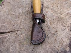 leather sheath for mora spoon knife.