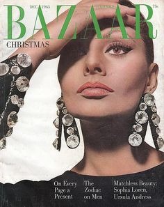 Harper's Bazaar, edition of December The actress Sophia Loren photographed by Richard Avedon in New York (USA) in October Fashion Magazine Cover, Fashion Cover, Magazine Covers, Revista Bazaar, Queen Sophia, Celebrity Magazines, Fashion Magazines, Sophia Loren Images, Old Hollywood Style