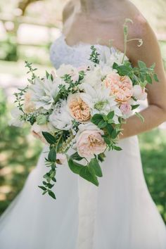 To simply call this one OMG-worthy union would be a vast understatement. Because when it comes to capturing the ultimate summer palette, The Edges Wedding Photography has delivered the purest peachy hued celebration. A romantic evening overlooking acres of verdant vineyards, it's