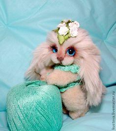 лапочка Фиалочка. Голубоглазая малышка - собачка Фиалочка,  очень милое создание! Любит строить глазки, но при этом строга и требовательна.... хулигнанка и капризулька... никого не напоминает? Но именно поэтому очень любима...