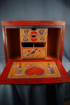 Portable Desk/Paint Caddy by Heidi England using Chroma's Jo Sonja Artists' Colors & Mediums
