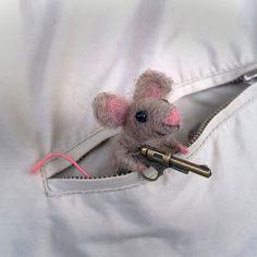 Filz-Maus Brosche Tier Zubehör süße Geschenke von CozyMilArt