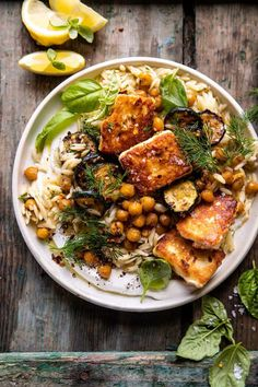 This Crispy Lemon Feta with Spiced Chickpeas and Basil Orzo is an easy meatless meal for any night of the week.a touch indulgent, but yet healthy too! Feta, Vegetarian Recipes, Cooking Recipes, Healthy Recipes, Oats Recipes, Healthy Desserts, Salad Recipes, Recipies, Half Baked Harvest