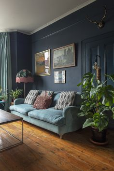 homedecor living room colour Victorian terrace house: Carols home is full of colour, art and antique finds Dark Living Rooms, Living Room Green, Living Room Interior, Home Living Room, Living Room Designs, Living Room Decor, Cozy Living, Modern Living, Living Room Ideas Dark Blue