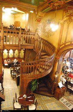 The restaurant & bar – in the capital's old town – is called Caru cu Bere, which translates as 'brewer's dray' or indeed, beer cart. Beautiful place - their own beer is good (I'm told, not being a beery expert) and the 19th century building is atmospheric and architecturally delightful, with vaulted ceilings like a gothic church, tiles and carved wood everywhere. People who know some of Liverpool's more ornate Victorian pubs will feel entirely at home here.
