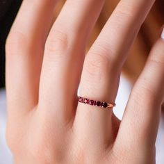 An amazing gold ring with ruby and diamonds! 14k Gold Jewelry, High Jewelry, Gold Rings, Handmade Jewelry, Diamonds, Wedding Rings, Fancy, Engagement Rings, Amazing