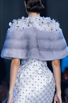 View all the detailed photos of the Ralph & Russo haute couture fall 2014 showing at Paris fashion week. Read the article to see the full gallery. High Fashion, Fashion Show, Fashion Design, Couture Fashion, Paris Fashion, Ralph Et Russo, Steampunk Couture, Cute Coats, Catwalk Collection