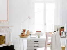 In the work of an interior stylist, the main thing is the ability to think through the smallest detail of an interior, to feel its color scheme to a ✌Pufikhomes - source of home inspiration Ikea Home Office, Ikea Inspiration, Ikea Alex, Best Interior, Interior Modern, Minimalist Interior, Modern Minimalist, Interior Design, Desk Areas