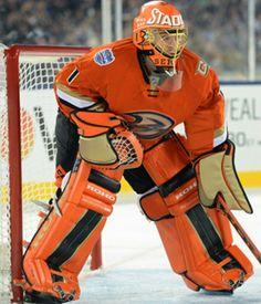 Jonas Hiller Hockey Goalie Gear, Ice Hockey, Craig Anderson, Goalie Pads, Sports Uniforms, Anaheim Ducks, Goalkeeper, Stadium Series, Nhl