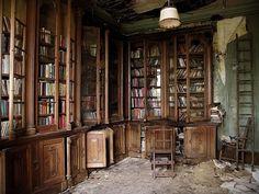 Bücherregal gemalt  Bücherregal-System-selber-bauen-weiß-platzsparend-Wand-montieren ...