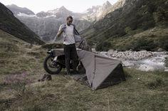 最低限の装備を愛するライダーのために作られたスイス製タープ「Bivouac」はバイクキャンパーにオススメ! : ForRide(フォーライド)