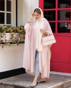Modern Hijab Fashion, Street Hijab Fashion, Modesty Fashion, Hijab Fashion Inspiration, Mode Inspiration, Fashion Outfits, Iranian Women Fashion, Arab Fashion, Muslim Fashion
