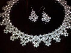 Комплект украшений из бисера и бусин. МК. Tutorial: earrings and necklace - YouTube