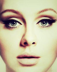 Adele's eyeliner & lashes...amazing