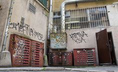Miniature Apartment Buildings - Street Art by Evol Stencil Street Art, Stencil Graffiti, Stencil Art, Stencils, Cities, Berlin, Urban Renewal, Mural Art, City Art