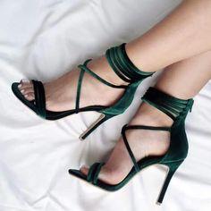 Love these! #strappystilettoheels #stilettoheelsoutfit #stilettoheels2017 #oxfordwomens