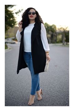 Awasthi's top summer styling tips for curvy girls Tanesha Awasthi from Girl With Curves - .ukTanesha Awasthi from Girl With Curves - . Curvy Girl Outfits, Plus Size Outfits, Curvy Girl Fashion, Plus Size Fashion, Fashion Black, Petite Fashion, Plus Size Looks, Mode Jeans, Sleeveless Jacket