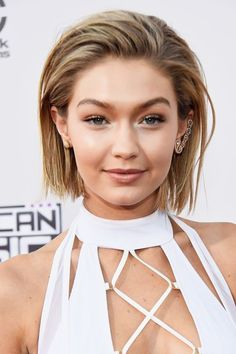 Gigi Hadid Totally Snubbed Harry Styles On The AMAs Red Carpet #refinery29  http://www.refinery29.com/2015/11/98165/gigi-hadid-harry-styles-amas-handshake