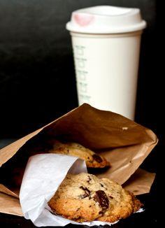 mrs-fields-chocolate-chip-cookie-3