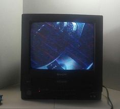"SHARP ~ 13"" CRT TV/VCR COMBO w/ Remote. Works Great 13VT-R100"