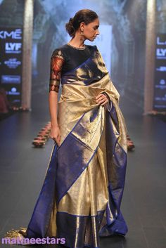 Models Walks For Santosh Parekh At Lakme Fashion Week Winter Festive 2016 - Hot Models Photo Gallery - High Resolution Pictures 7 Kanjivaram Sarees, Kanchipuram Saree, Silk Sarees, Bandhani Saree, Indian Blouse, Indian Sarees, Indian Attire, Indian Wear, Indian Style