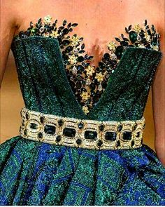 Top Haute Couture Gowns in May 2018 Style Haute Couture, Couture Details, Couture Fashion, Runway Fashion, Couture Ideas, Haute Couture Gowns, Elie Saab Couture, Look Fashion, Fashion Details