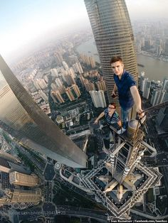 Urban Free Climbing The New Extreme Sport You Shouldnt Try Pics - Daredevil films extreme parkour on top of skyscraper