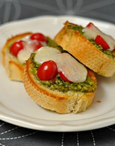 Pesto Mozzarella Melts - a simple and delicious appetizer. Suburble.com #appetizer #pesto #mozzarella #snack