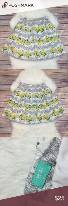 Spring Grey& Yellow Floral Skirt// UK brand Oasis Size 10/36 on tag! Waist measures flat 14 inches and the length is 20 inches. This is a UK brand but it's really a US size 2-4. Oasis UK Skirts A-Line or Full