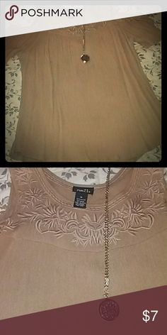 Adorable top! Like new no tags ..perfect Rue21 Tops Blouses