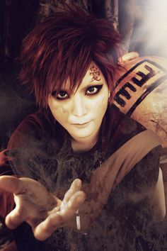 Gaara of da desert Gaara Cosplay, Naruto Cosplay Costumes, Anime Cosplay, Naruto Shippuden, Naruto Sasuke Sakura, Real Anime, Anime Guys, Naruto Merchandise, Cosplay Makeup