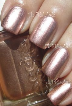 Rose gold nail polish? Don't mind if I do! (Essie: Penny Talk)