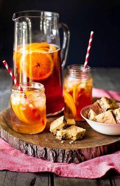 Un elegante cofanetto racchiude una selezione del migliore tè nero e verde: Mango & Vaniglia. Arancia & Spezie. Frutti di Bosco. Menta. Provali ghiacciati! http://www.ecomarket.eu/pacchi-tutto-compreso-1/last-minute/prodotti-last-minute/selezione-di-te-aromatizzati-last-minute.html#Promozioni_speciali