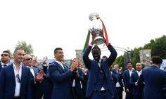 Cristiano Ronaldo dedica o título europeu a todos os imigrantes