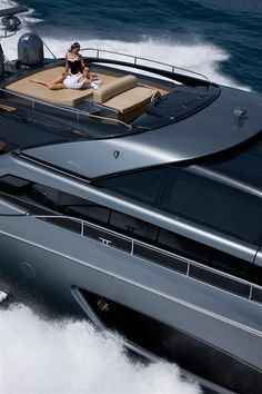 Riva Yacht - Domino - still not a sail boat but wow Yacht Design, Boat Design, Super Yachts, Luxury Travel, Luxury Cars, Yachting Club, Riva Yachts, Grand Luxe, Buy A Boat