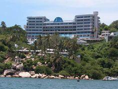 Conoce este hotel que se adapta perfectamente a diferentes necesidades vacacionales y presupuestales. El Aristos Majestic Acapulco tiene las comodidades ideales para pasar una estancia relajada, placentera y tranquila sin desembolsar cantidades elevadas.